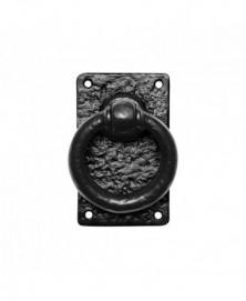 Ring 89mm op plaat 127x77mm inclusief krukstift smeedijzer zwart