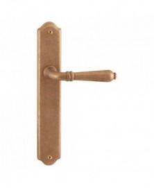 Mandelli Sevilla deurkruk op schild WC57/5 Messing ongelakt getrommeld